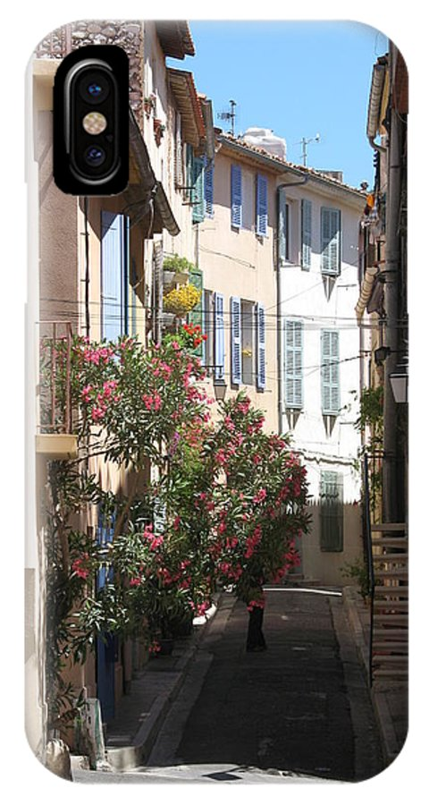 Alley IPhone X Case featuring the photograph Alley - Provence by Christiane Schulze Art And Photography