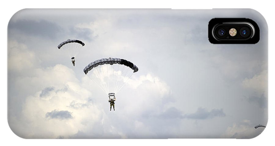 Soldier IPhone X Case featuring the photograph Halo Jumpers Descend To The Ground by Stocktrek Images