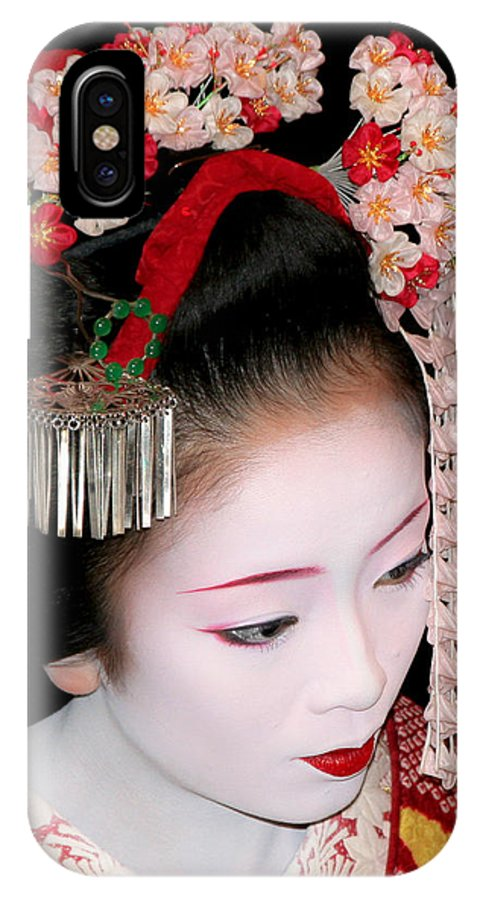 Kyoto IPhone X / XS Case featuring the photograph Maiko by Peteris Vaivars