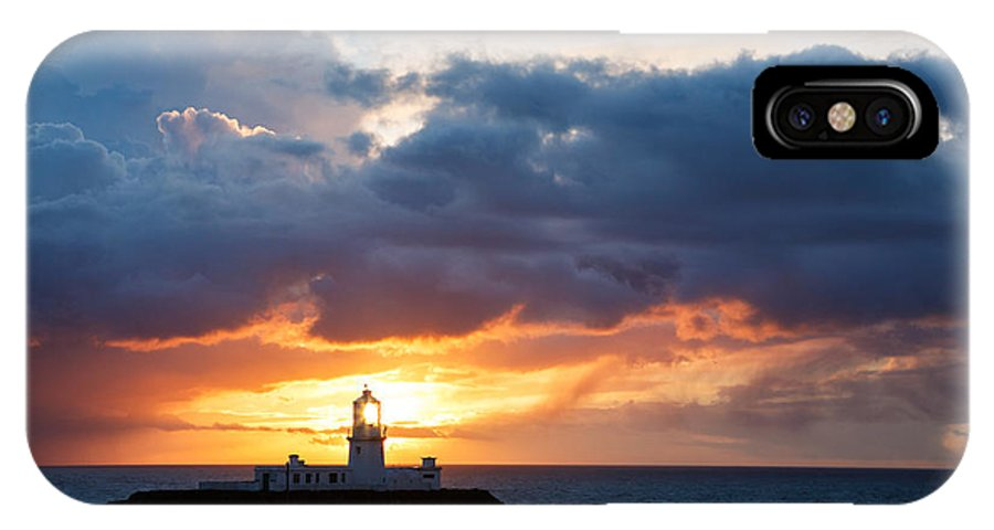Lighthouse IPhone X Case featuring the photograph Sunset At Strumble Head Lighthouse by Ian Middleton