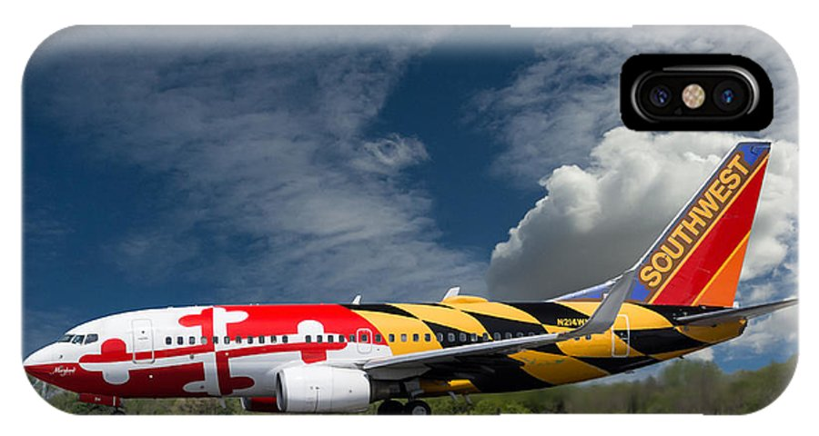 737 IPhone X Case featuring the photograph 737 Maryland On Take-off Roll by Guy Whiteley