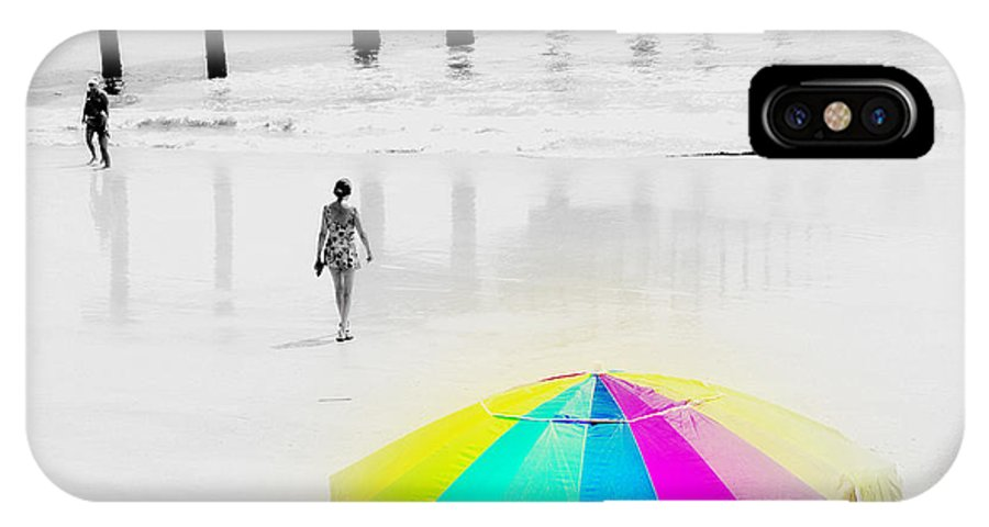 A Hot Summer Day IPhone X Case featuring the photograph A Hot Summer Day by Susanne Van Hulst