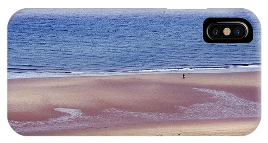 Atlantic Ocean IPhone X Case featuring the photograph Alone On The Beach by Carl Purcell