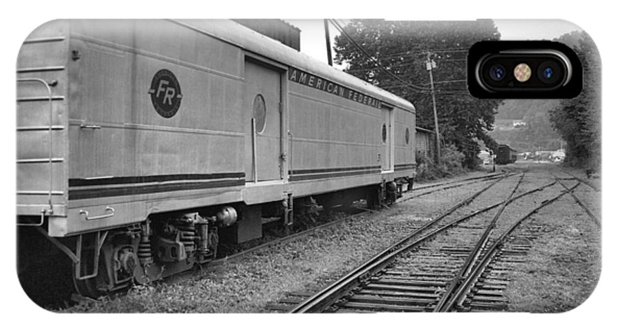 Trains IPhone X / XS Case featuring the photograph American Federail by Richard Rizzo