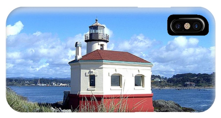Coquille Lighthouse IPhone X Case featuring the photograph Bandon 1 by Will Borden
