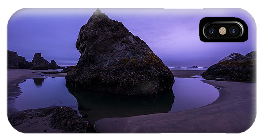 Oregon IPhone X / XS Case featuring the photograph Bandon Beach by Dustin LeFevre