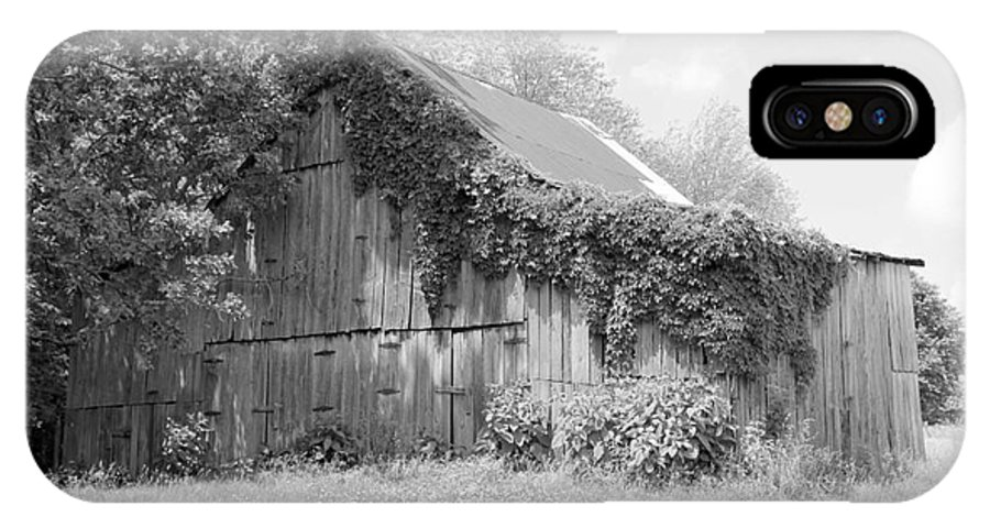 Barn IPhone X Case featuring the photograph Barn In Kentucky No 67 by Dwight Cook