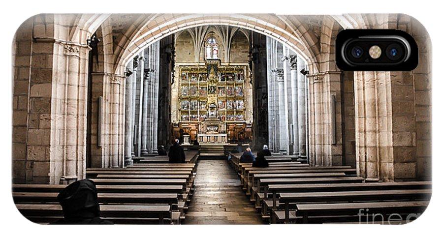 Castilla Leon IPhone X Case featuring the photograph Basilica Of San Isidoro De Leon - Interior by RicardMN Photography