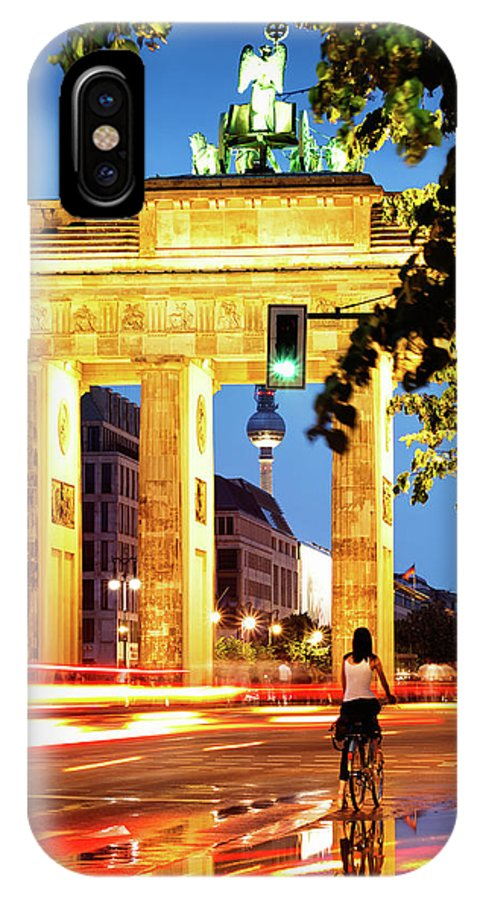 Berlin IPhone X Case featuring the photograph Berlin - Brandenburg Gate At Night by Alexander Voss
