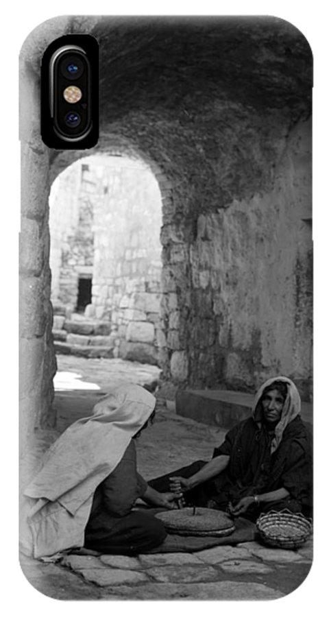 Bethlehem IPhone X Case featuring the photograph Bethlehemites Making Bread by Munir Alawi