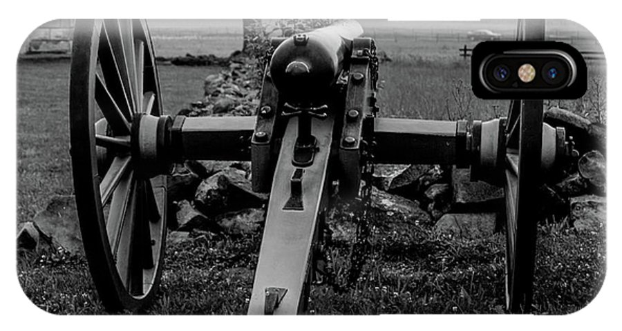 This Is A Black And White Photo Of An Artillery Piece At The Angle At Gettysburg Battlefield IPhone X Case featuring the photograph Black And White Photo At The Angle by William Rogers