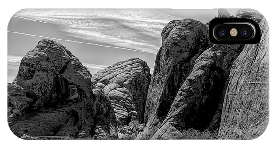 Valley Of Fire IPhone X Case featuring the photograph Black White Valley Of Fire by Chuck Kuhn