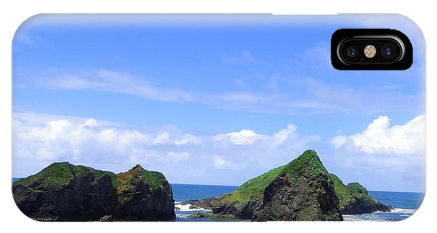 Seascape IPhone X / XS Case featuring the photograph Boulders In Oregon by Charleen Treasures