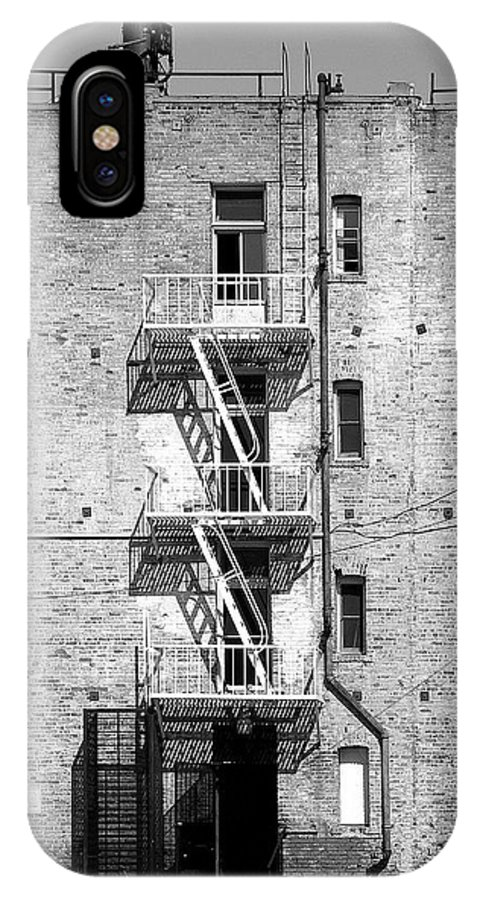 Los IPhone X Case featuring the photograph Brick Appartment by Viktor Savchenko