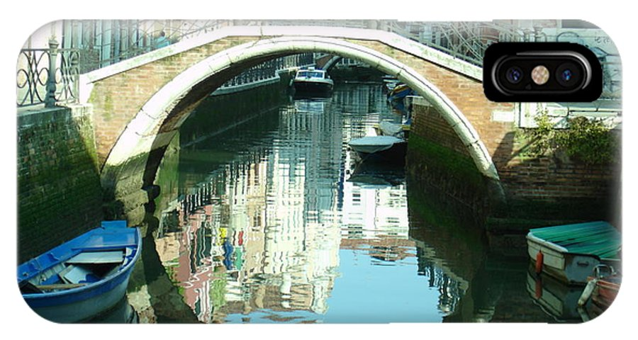 Venice IPhone X Case featuring the photograph Bridge In Venice by Jennifer Kelly