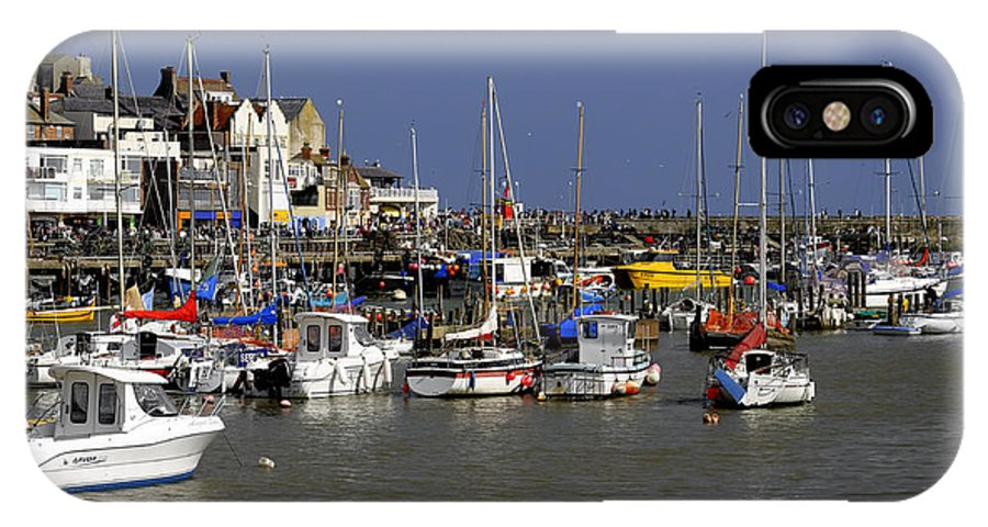 Bridlington IPhone X Case featuring the photograph Bridlington Harbour by Rod Johnson