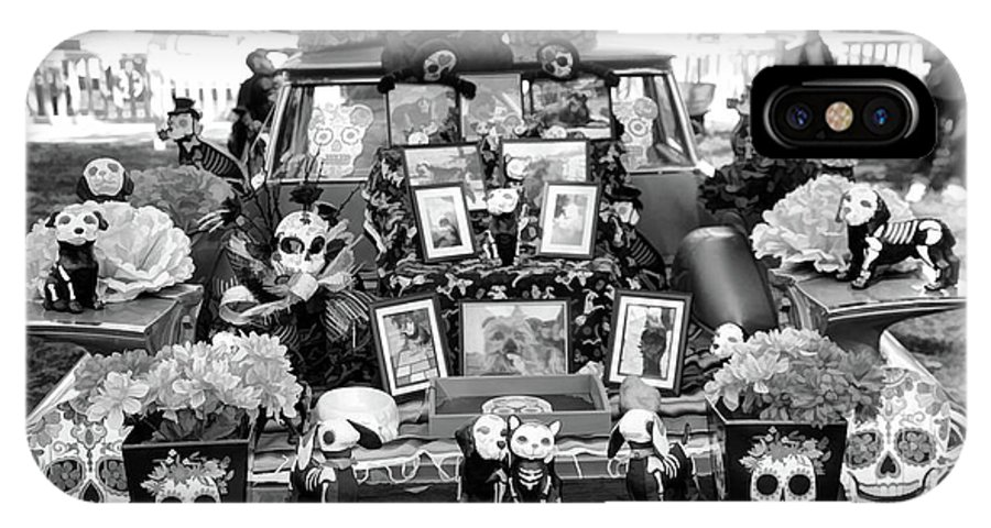 Dia De Los Muertos IPhone X Case featuring the photograph Bw Classic Car Trunk Decor Day Dead by Chuck Kuhn