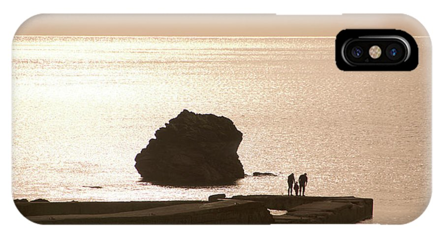 Couple IPhone X Case featuring the photograph By The Sea by Phil Child