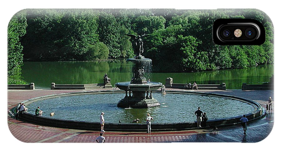 Central Park IPhone X Case featuring the photograph Central Fountain by Kelvin Booker