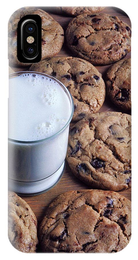 Chocolate Chip IPhone X Case featuring the photograph Chocolate Chip Cookies And Glass Of Milk by Garry Gay