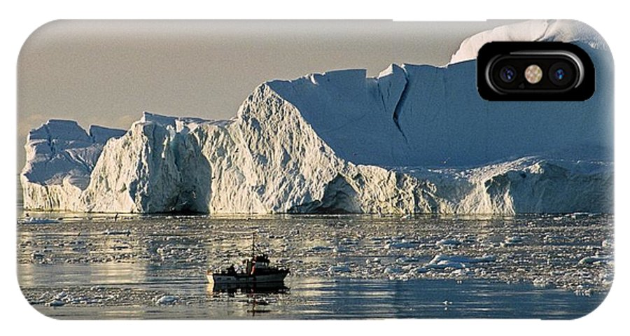 Greenland IPhone X Case featuring the photograph Coming Home - Greenland by Juergen Weiss