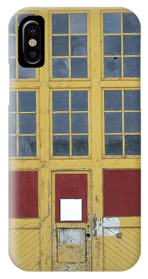 Architecture IPhone X Case featuring the photograph Contrasts With Accents by Ben Freeman