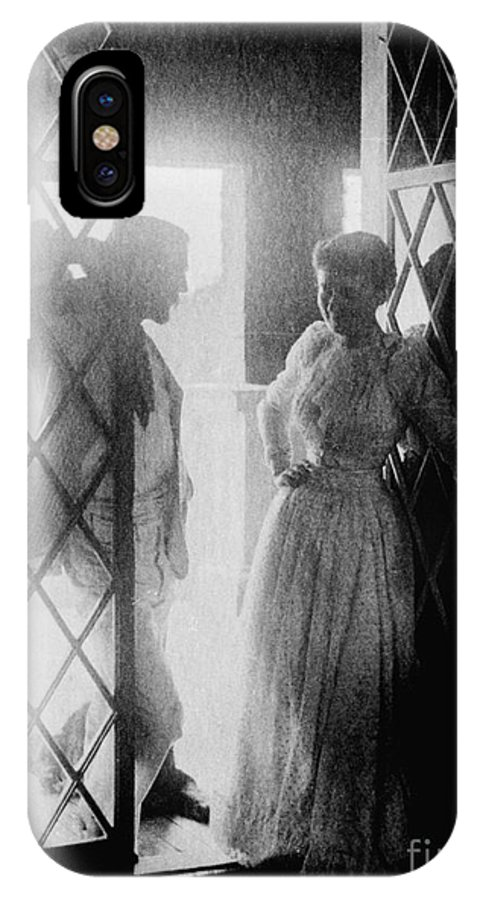 19th Century IPhone X Case featuring the photograph Couple In Doorway by Granger