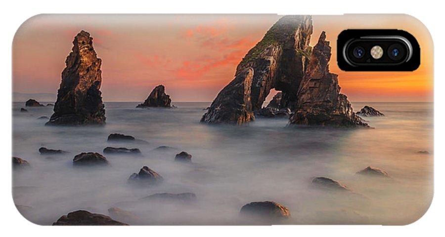 Crohy IPhone X Case featuring the photograph Crohy Head Sea Arch by Liam Mcclean