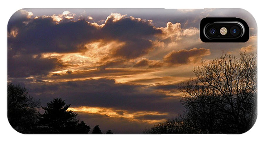 Cloud IPhone Case featuring the photograph Crown Cloud by Albert Stewart