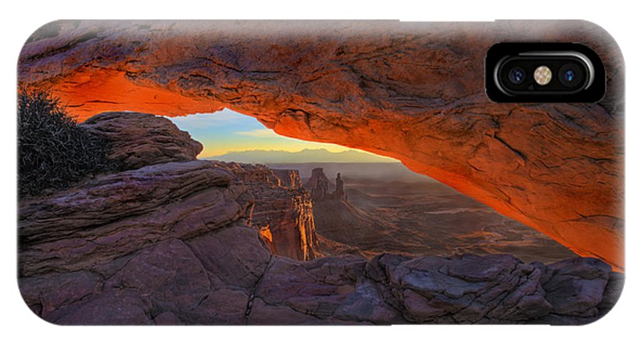 Mesa Arch IPhone X Case featuring the photograph Dawns Early Light by Mike Dawson