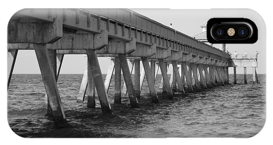 Architecture IPhone Case featuring the photograph Deerfield Beach Pier by Rob Hans