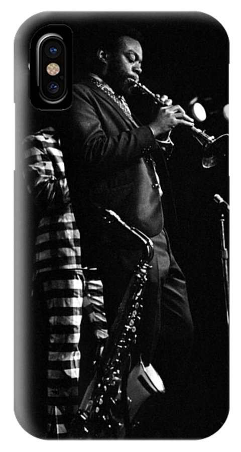 Dewey Redman IPhone X Case featuring the photograph Dewey Redman by Lee Santa
