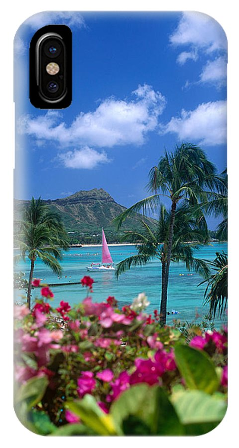 A42h IPhone X Case featuring the photograph Diamond Head Paradise by Tomas del Amo - Printscapes