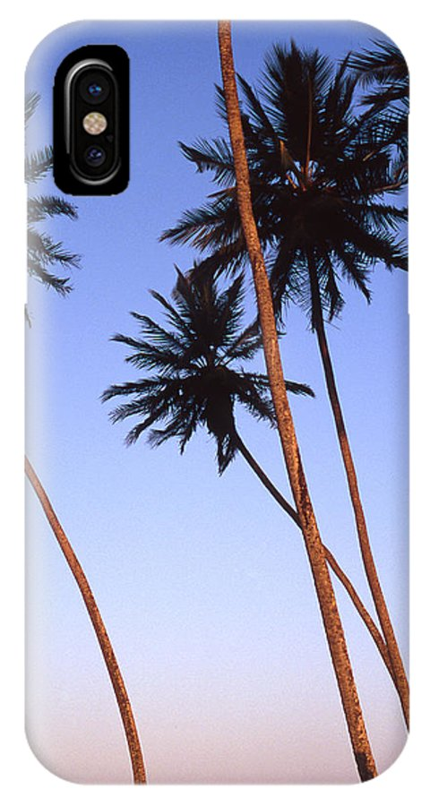 Bahia IPhone X Case featuring the photograph Dusk In Morro by Patrick Klauss