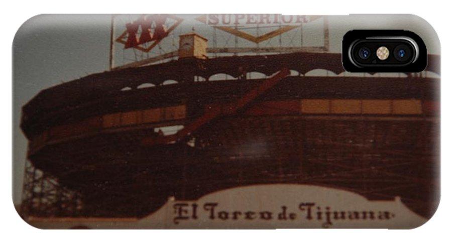 Tijuana Mexico IPhone X / XS Case featuring the photograph El Toreo De Tijuana by Rob Hans