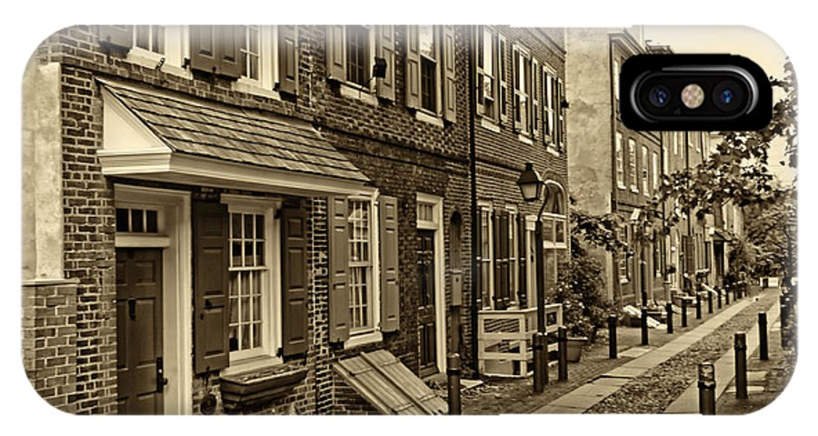 Philadelphia IPhone X / XS Case featuring the photograph Elfreths Alley by Jack Paolini