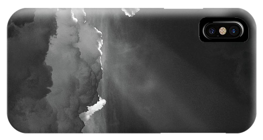 Ature IPhone X Case featuring the photograph Enter Stage Right by Skip Willits