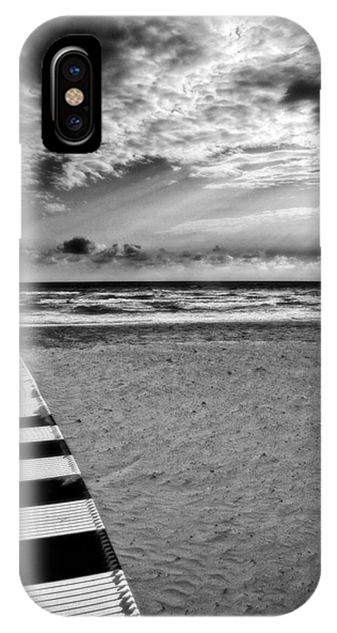 Landscape IPhone X Case featuring the photograph Evening Tide by Silvia Ganora