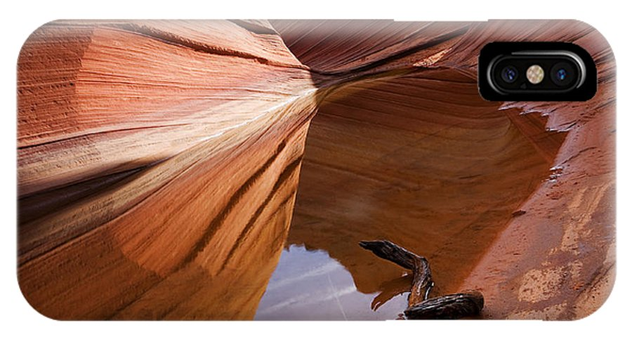Wave Rock IPhone X / XS Case featuring the photograph Eye Of The Wave by Mike Dawson