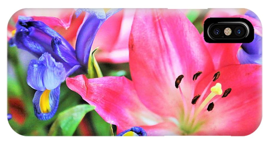 Landscape Hill Country.mothers Day Flowers.prints IPhone X / XS Case featuring the photograph Flower Soft by Jeff Downs