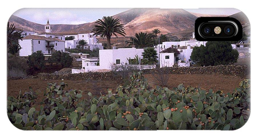 Fuerteventura IPhone X Case featuring the photograph Fuerteventura Iv by Flavia Westerwelle