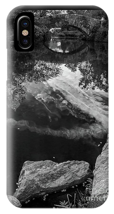 Central Park IPhone X Case featuring the photograph Gapstow Bridge In Central Park - Bw by James Aiken