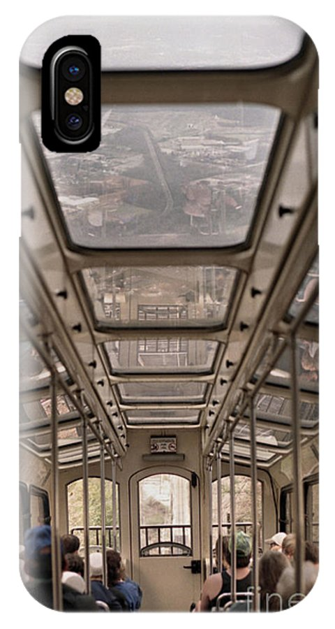 Cable Car IPhone X Case featuring the photograph Going Down by Richard Rizzo