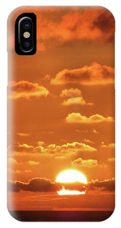 Golden Slumbers IPhone X Case featuring the photograph Golden Slumbers by Robert Shard