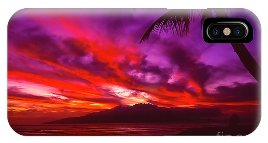 Landscapes IPhone X / XS Case featuring the photograph Hand Of Fire by Jim Cazel