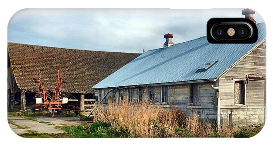 Barn IPhone X Case featuring the photograph Heritage Barns by Jim Romo
