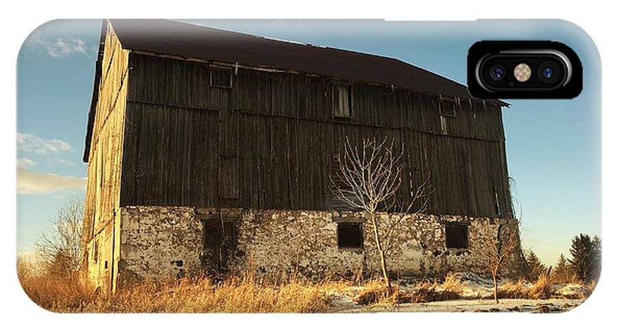 Winter Barn IPhone X Case featuring the photograph Hill Top Barn by Anthony Djordjevic