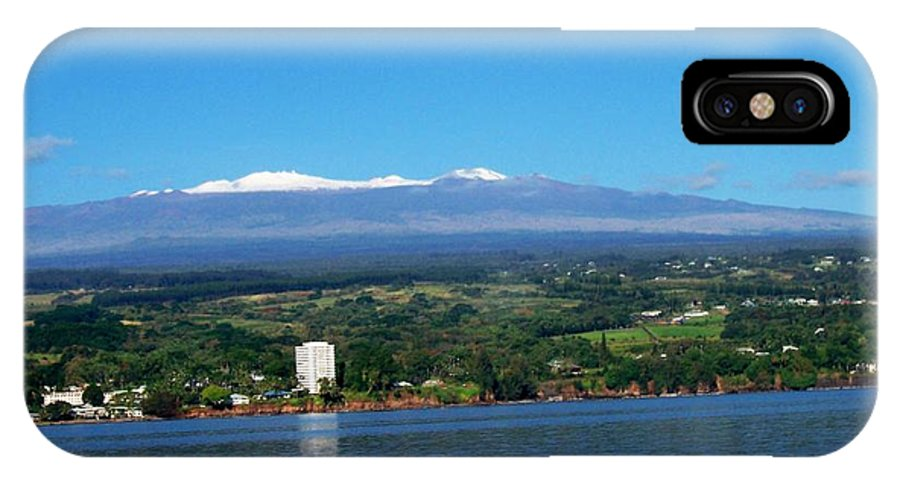 Hawaii IPhone X Case featuring the photograph Hilo Bay by Dina Holland