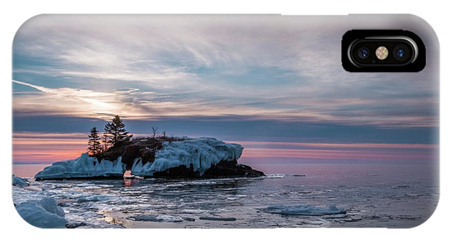 Hollow Rock IPhone X Case featuring the photograph Hollow Rock Morning by Linda Ryma