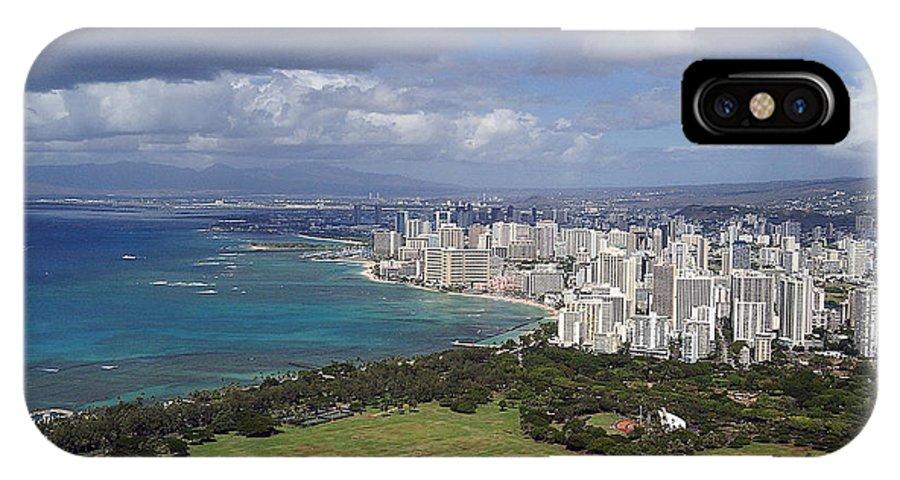Honolulu IPhone X Case featuring the photograph Honolulu Oahu Hawaii by Robert Ponzoni